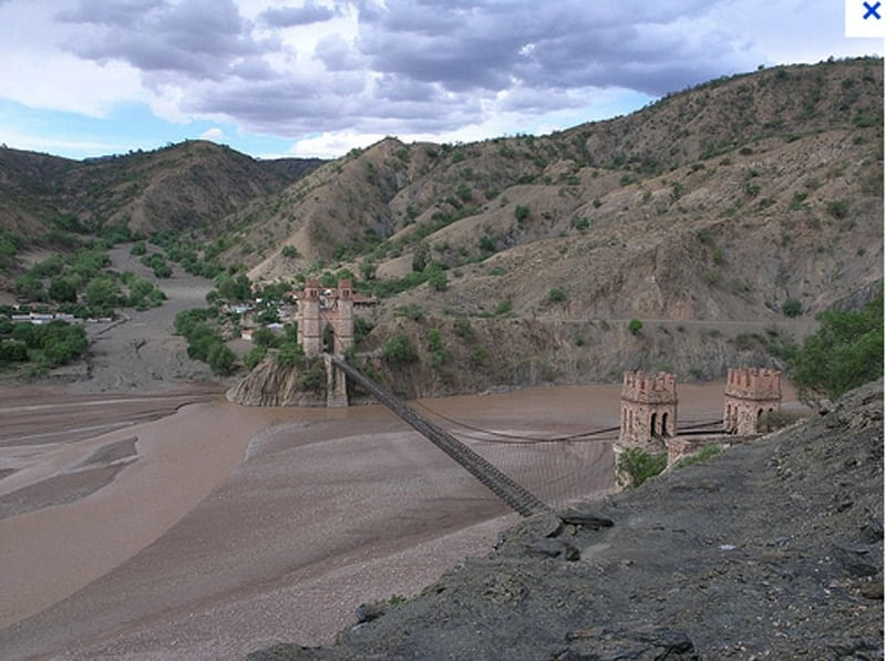 Río Pilcomayo linea departamental entre Potosí y Chuquisaca