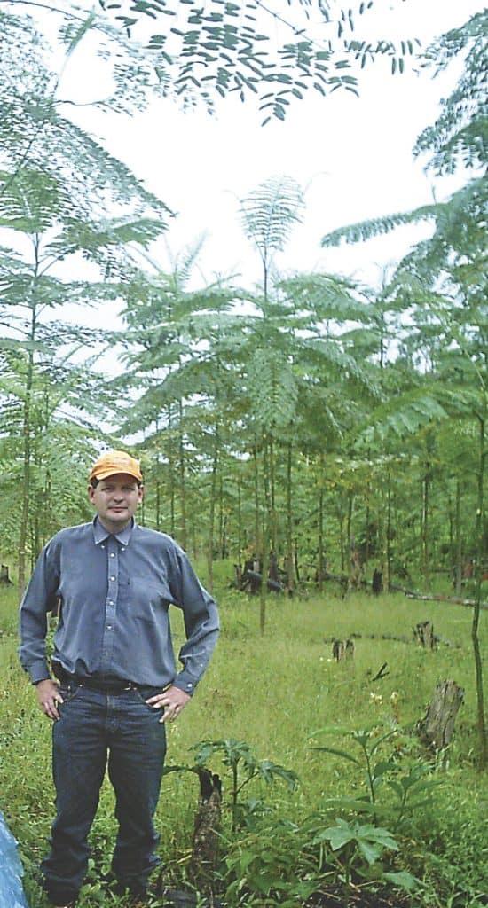 Jorge Arteaga en plantación de Serebó